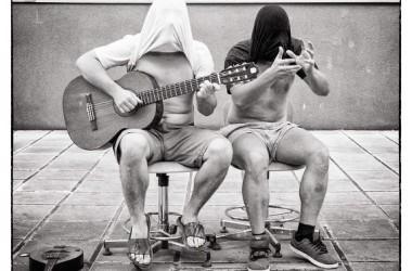 cabaret-zlice-i-gitara-foto-567-x-567